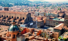 Bologna_seen_from_Asinelli_tower