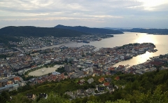 Fløyen_view_on_Bergen_edit