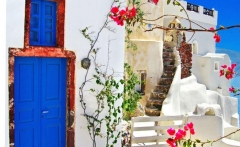 oia-in-santorini-greece-traveling-pinterest