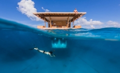 Underwater-Room-Manta-Conde-Nast-Traveller-10Dec13-pr_b