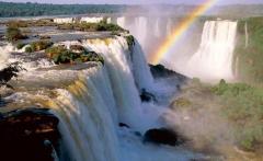 Devils_Throat_Iguassu_Falls_Argentina_1024x768