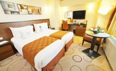 2631759-DoubleTree-by-Hilton-Hotel-Bucharest-Unirii-Square-Guest-Room-5-DEF