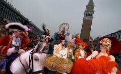 carnival-costumes-venice_6311_990x742