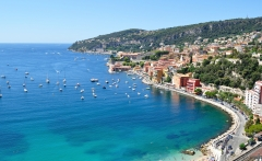 France-Blue-Lagoon-on-the-Cote-d-Azur-holidays