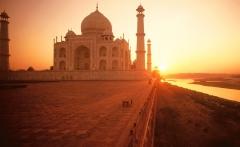 4228534-the-taj-mahal-at-sunset-india-normal