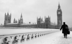 Winter_Snow_in_London_Big_Ben_056646_