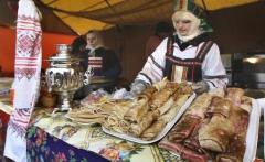 02p-carnival-2011-07-03-11-maslenitsa-moscow-rf