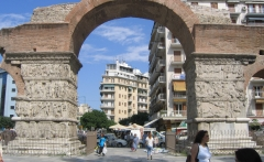 Thessaloniki-Arch_of_Galerius_(eastern_face)