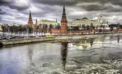 66626-Kremlin-Palace-Reflection-Mos