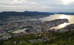Fløyen_view_on_Bergen_edit
