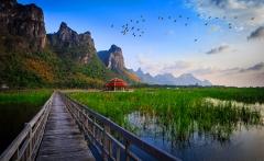 lake-bridge-thailand