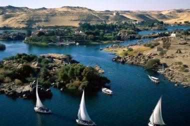 Самолетна екскурзия Перлите на Египет с нощувка в Кайро, Хургада и посещение на Пирамидите и Свинкса