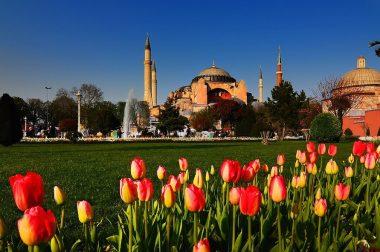 Екскурзия до Истанбул през април с посещение на Фестивала на Лалето